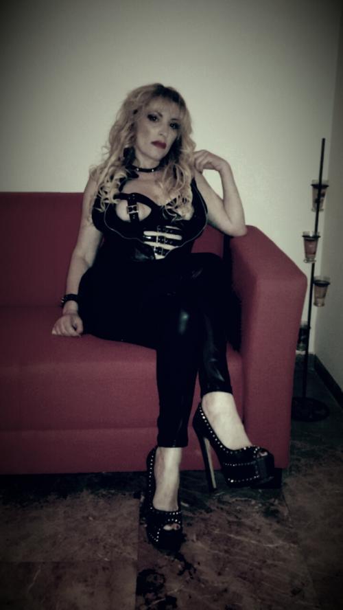 Kinky Erica