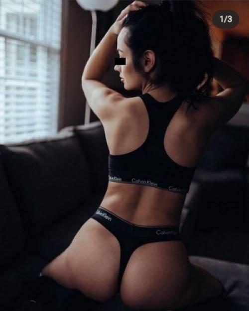 sexy escort melina